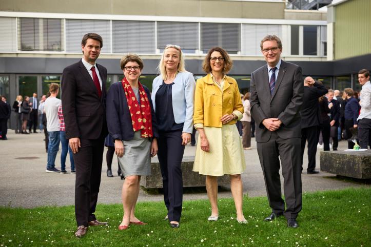 Schulleitungen der FMS Baselland und Baselstadt. Von links: Jan Pagotto (Muttenz), Monika Lichtin (Oberwil), Petra Dittmar (Münchenstein), Florence Buchmann (Liestal), Roland Widmer (Basel)