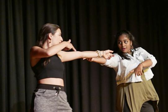 Tanz von Micaela und Meryl (F3a).