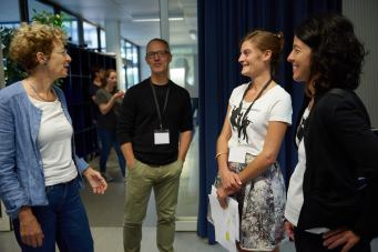 Rektorin Brigitte Jäggi begrüsst das Management des KOB