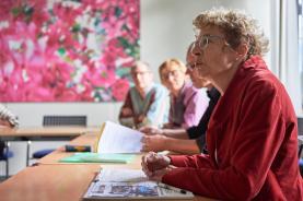 Rektorin Brigitte Jäggi ist Gastgeberin der Medienkonferenz