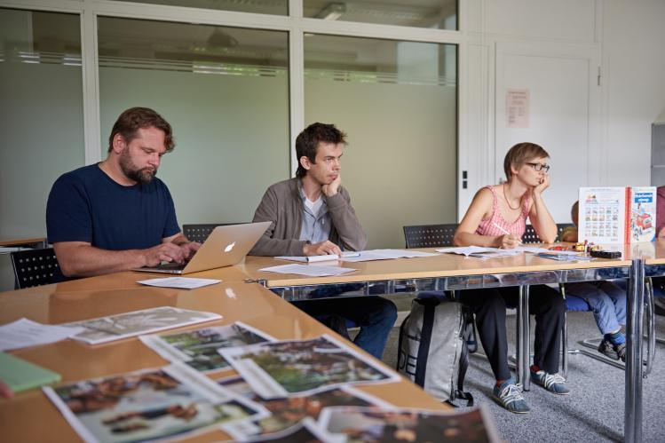 Entfalter-Blogger Timo Kröner (links) mit Pressevertretern von BaZ und BZ