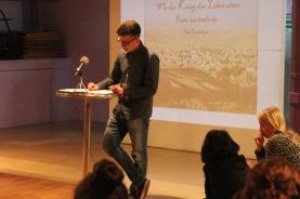 Cem Cetinkaya liest seinen Text