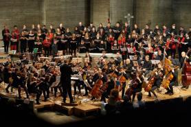 """Der Gym Chor Muttenz und das Jugendsinfonieorchester interpretieren Dvoraks """"Te Deum""""..."""