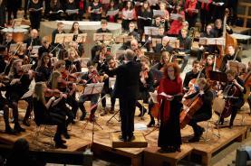 ...mit Solistin Franziska Baumgartner und Chorleiter Christoph Huldi
