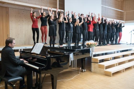 Der Kammerchor des Gymnasiums Muttenz...