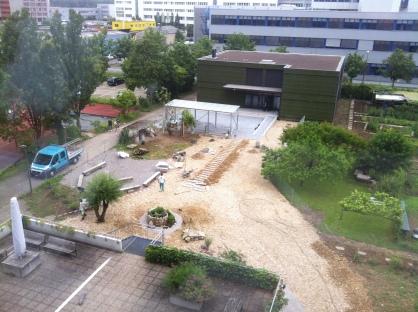 """Der neue """"Zwischenraum"""" zwischen Pavillon und Gymnasium"""
