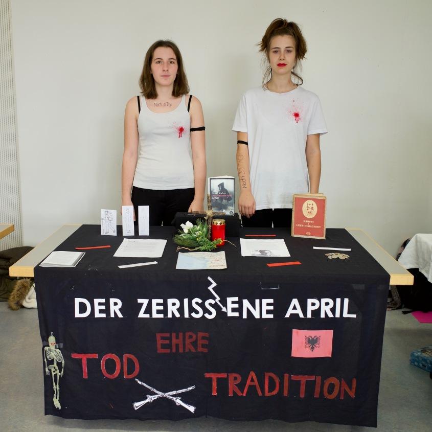 Vanessa und Céline empfehlen: Der zerrissene April von Ismail Kadare
