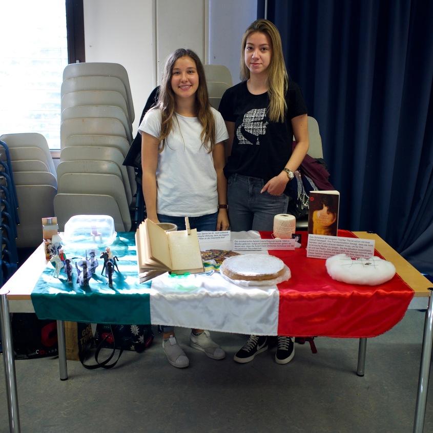 Chiara und Ivana mit Laura Esquivel: Bittersüsse Schokolade