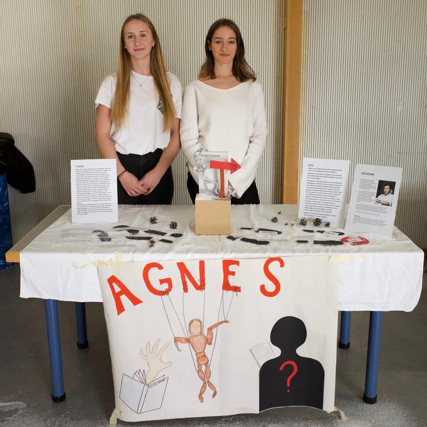 Melanie und Carmen mit Peter Stamm: Agnes