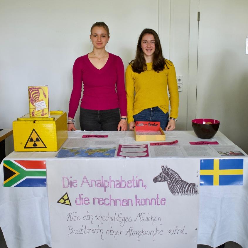 Helen und Lisa mit Jonas Jonasson: Die Analphabetin, die rechnen konnte