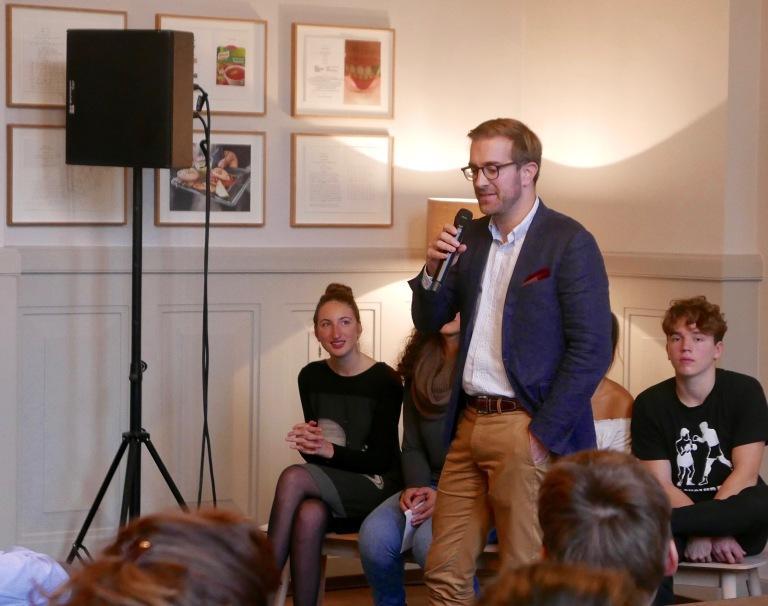 Conradin Cramer im Gespräch mit Hans-Georg Signer