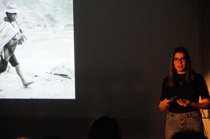 Ariane Marwood präsentiert Werner Bischofs berühmtes Bild des laufenden Jungen