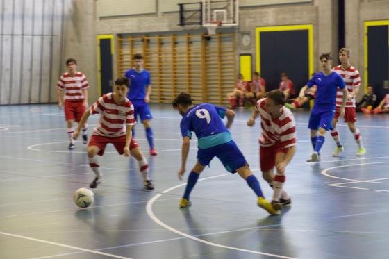 Voller Einsatz - der Ball im Fokus