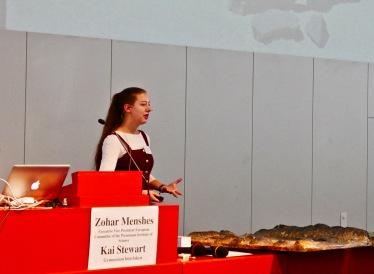 Ronja Spanke referiert über wandernde Steine